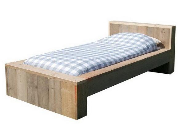 bett ger stholz modern betten bauholz m bel bei m belhaus hamburg. Black Bedroom Furniture Sets. Home Design Ideas