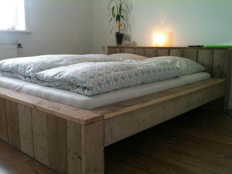 Bett Gerüstholz modern - Betten - Bauholz Möbel bei Möbelhaus Hamburg