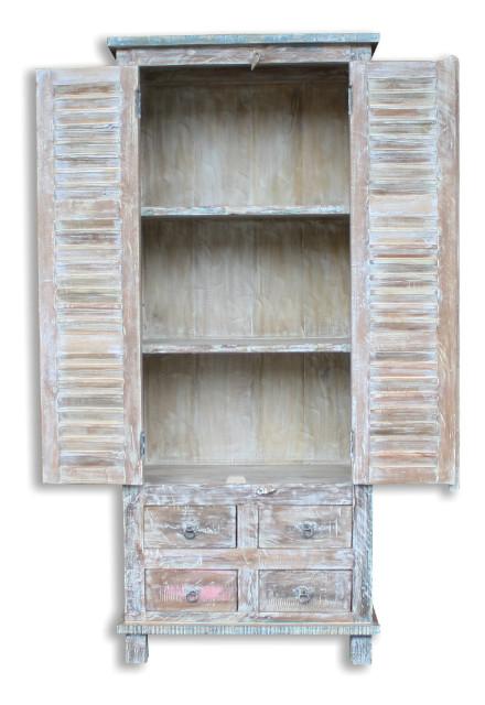 bunter schrank aus altem holz shabby vintage m bel bei. Black Bedroom Furniture Sets. Home Design Ideas