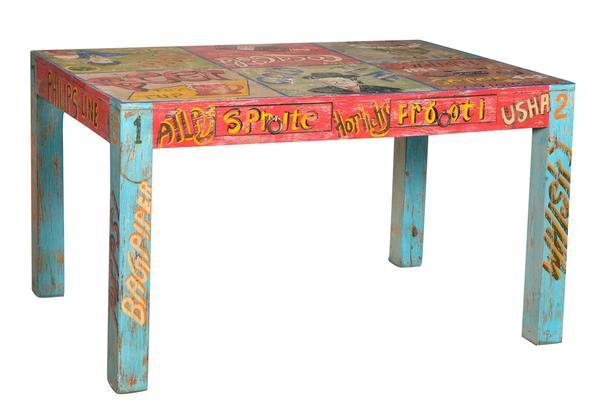 bunter Schreibtisch mit Schubladen Comic