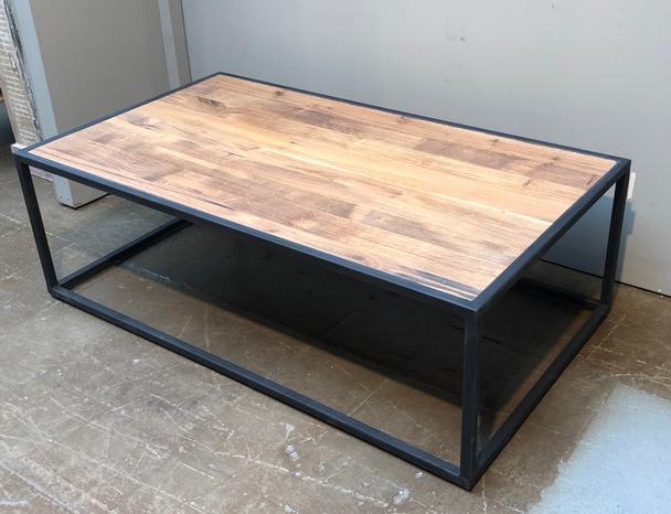 Couchtisch Industrial Mit Eichenholz Tisch Industrial Bei