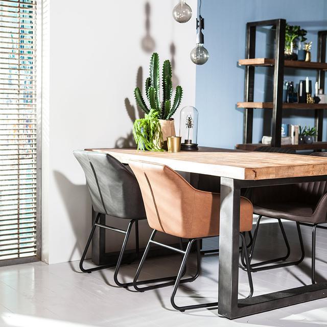 esstisch massivholz mit eisenbeinen tische industrielle m bel bei m belhaus hamburg. Black Bedroom Furniture Sets. Home Design Ideas