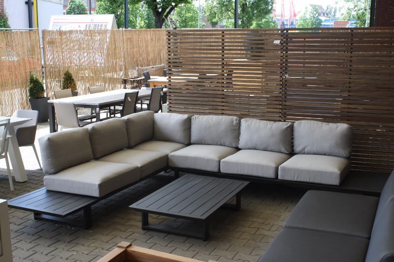 Garten loungemobel mit esstisch dekoration for Loungemobel outdoor kissen