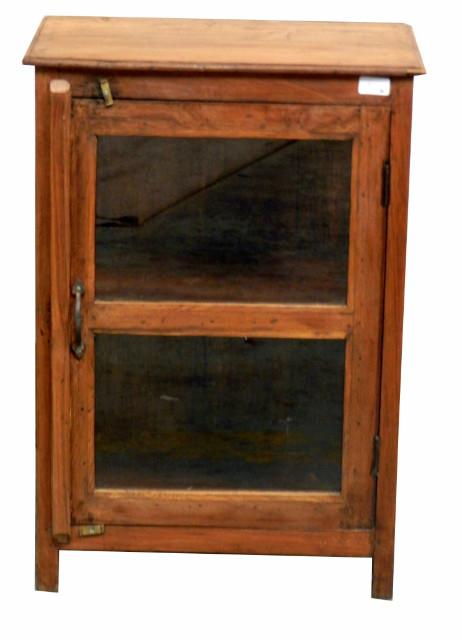 indischer glasschrank im kolonialstil vitrinen. Black Bedroom Furniture Sets. Home Design Ideas