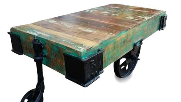 Industrieller Couchtisch Auf Radern Tisch Industrial Bei Mobelhaus