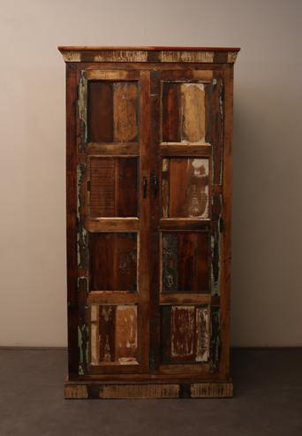 Kleiderschrank Vintage Stil Altes Holz Schranke Bei Mobelhaus Hamburg