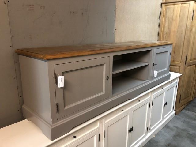 tv lowboard massivholz mit macken schn ppchen d sseldorf. Black Bedroom Furniture Sets. Home Design Ideas